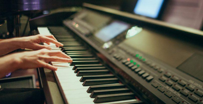 Top Ten Easy Pop Songs for Piano Beginners